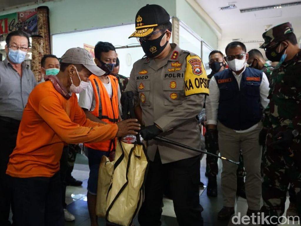 Cek PPKM di PGS Surabaya, Forkopimda Bagikan 25 Ribu Masker
