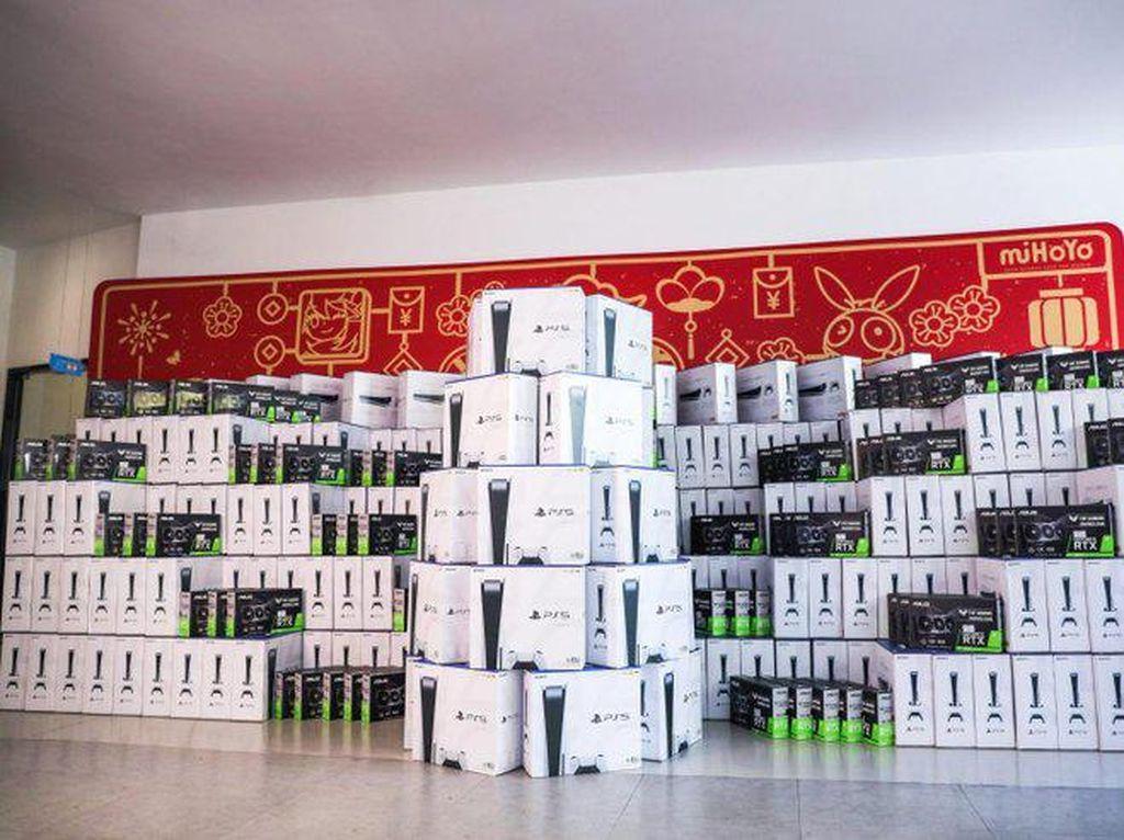 Genshin Impact Sukses, Karyawan miHoYo Dapat Bonus PS5 dan iPhone 12