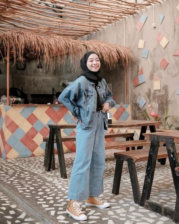 Jeans jacket with Cutbray