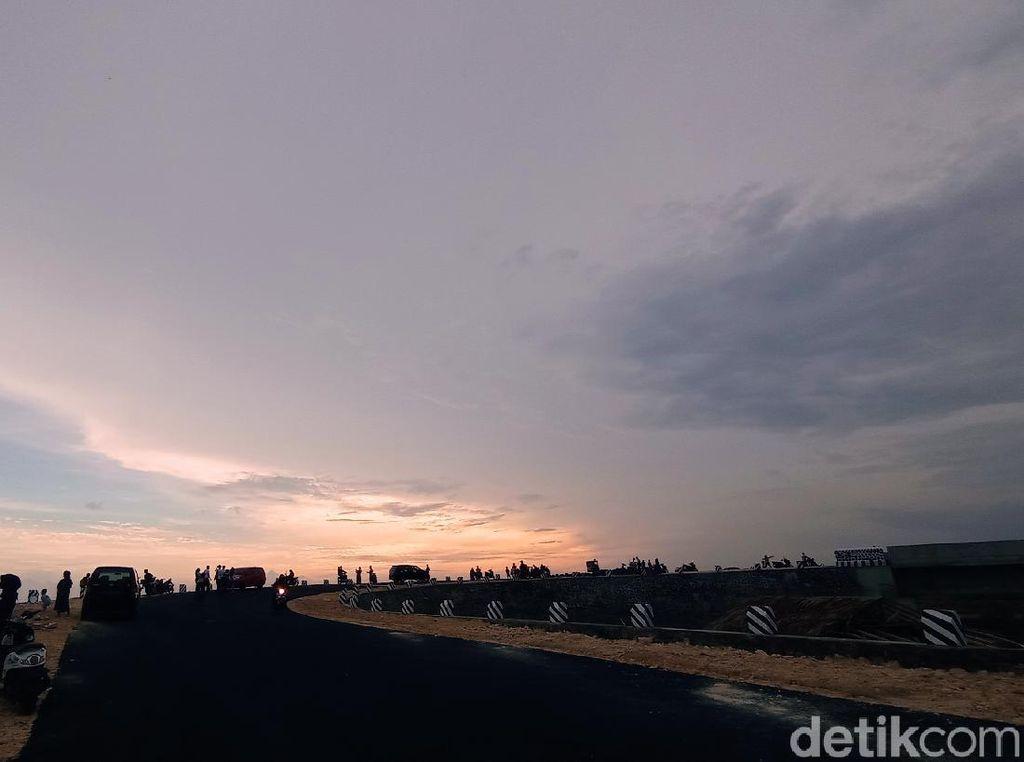 Jembatan Karangtirta, Spot Baru untuk Menyaksikan Sunset di Pangandaran
