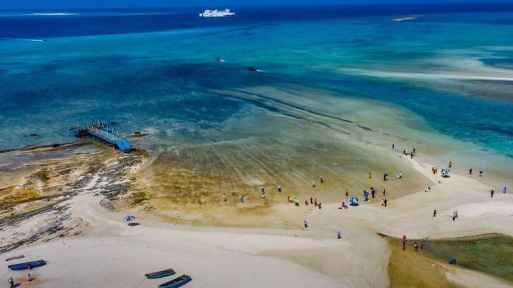 China Punya Pelayaran Wisata ke Pulau Sengketa