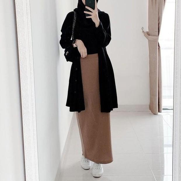 Long cardi with span skirt