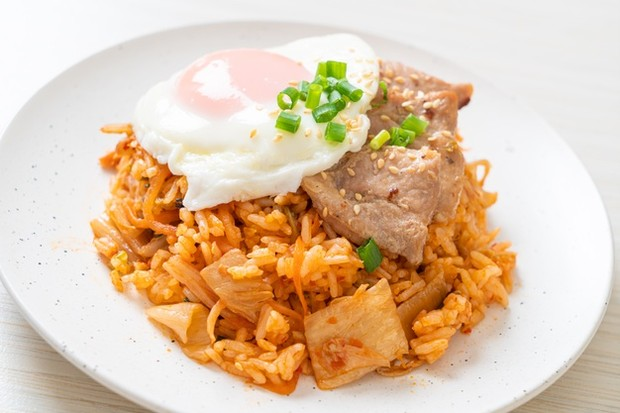 Nasi goreng kimchi salah satu makanan favorit Park Seo Joon/freepik.com