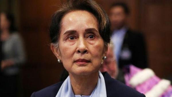 Pemimpin Myanmar Aung San Suu Kyi Ditahan Dalam Penggerebekan. Apa yang Terjadi?