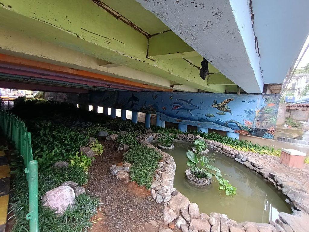 Penampakan Terkini Kolong Jembatan Pegangsaan yang Pernah Didatangi Risma