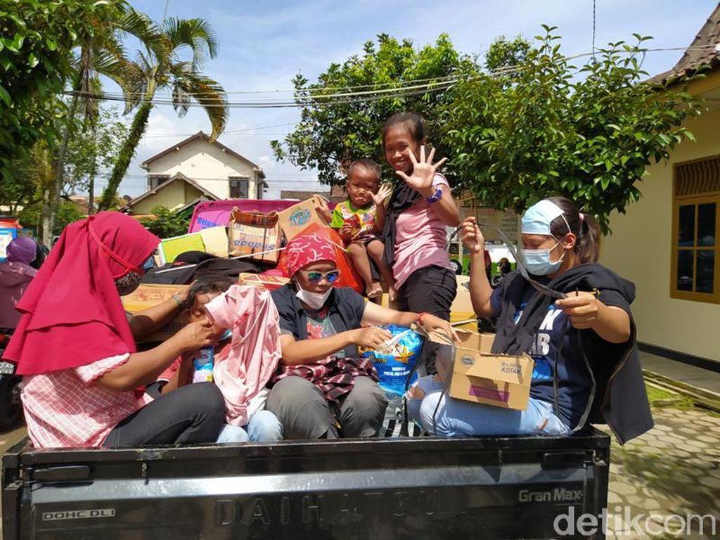 Ratusan Pengungsi Gunung Merapi di Magelang Pulang