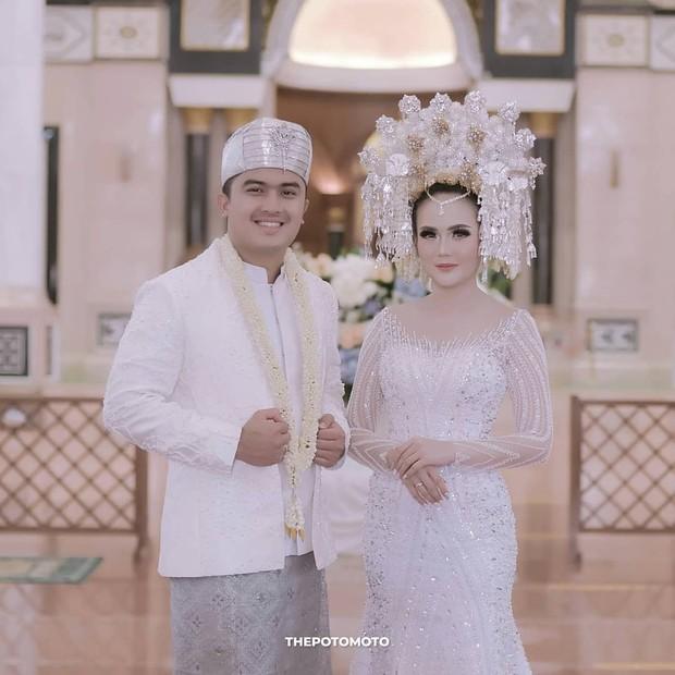 Pernikahan Sarah Gibson/