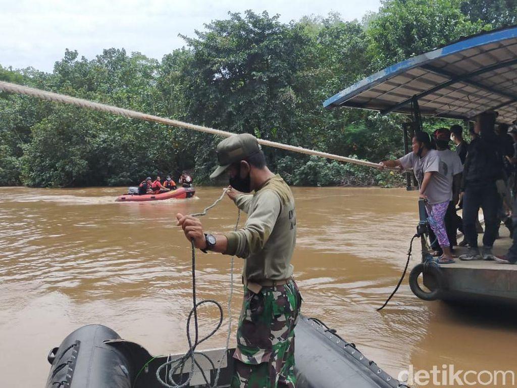 Pria di Gresik Tercebur Sungai dengan Motornya, Pencarian Masih Dilakukan