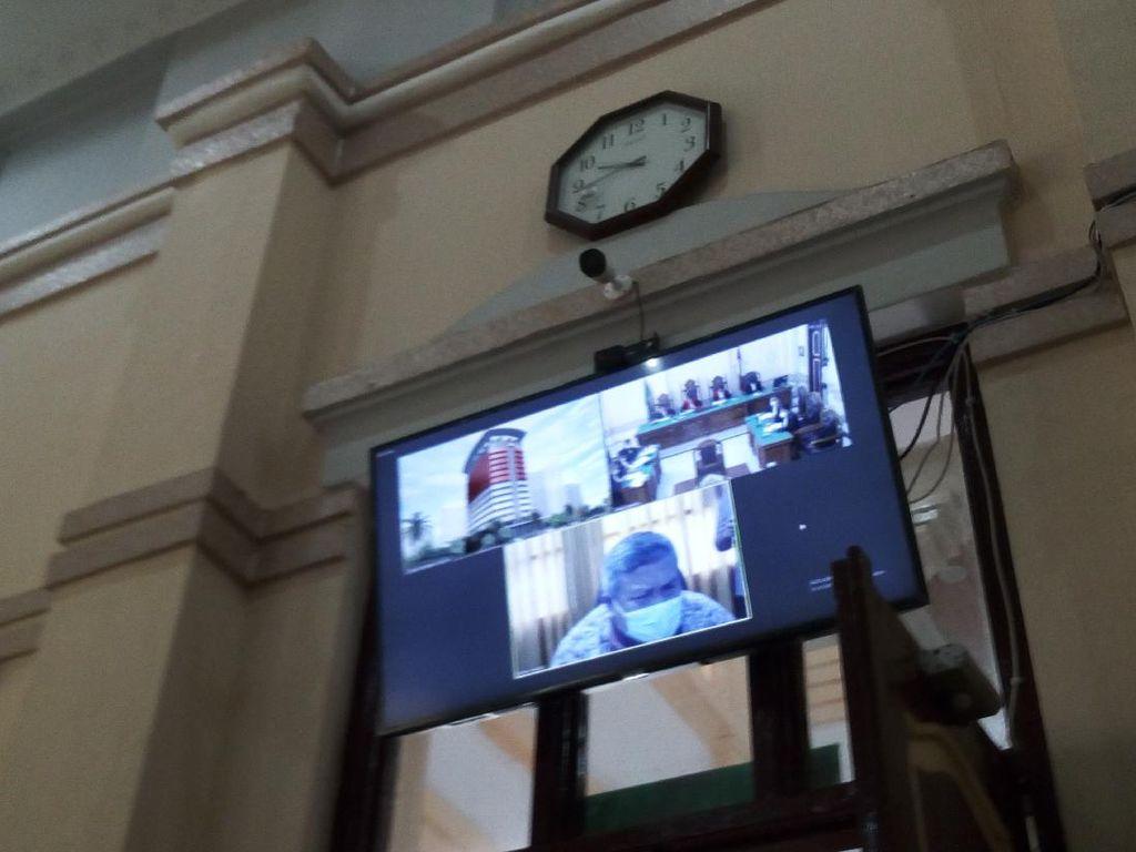 Bupati Labura Didakwa Suap Eks Pejabat Kemenkeu SGD 242 Ribu-Rp 400 Juta