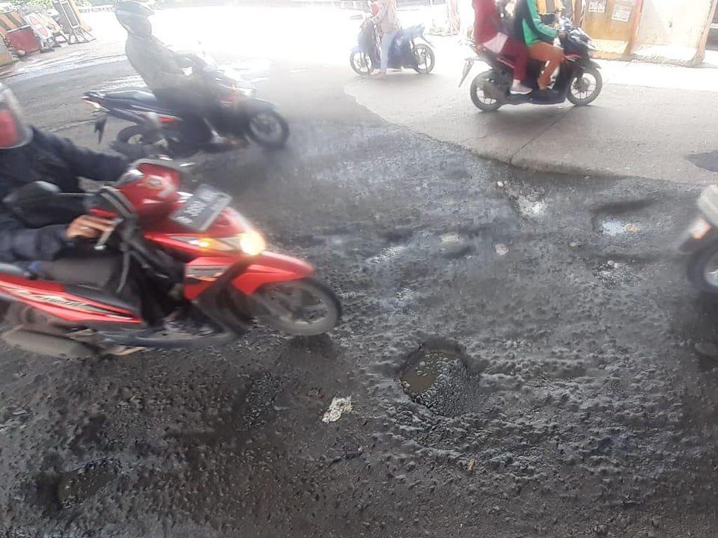 Selain Dekat Pasar Sumber Arta, Ada Lagi Titik Kerusakan Lain di Kalimalang