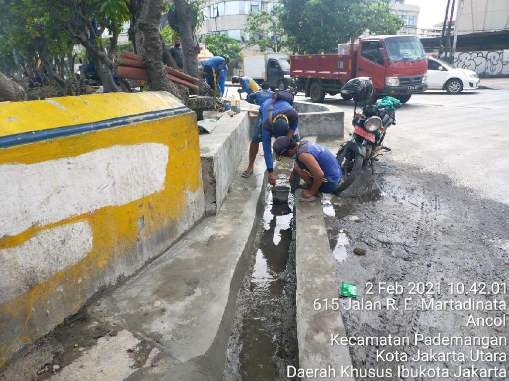 Solusi Banjir Jl Martadinata Ancol: Pembangunan Saluran Air Dilanjut