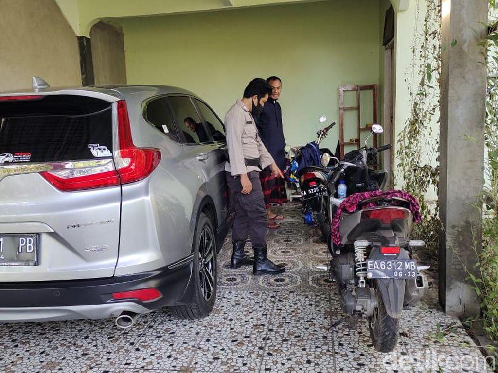 Polisi Duga Teror Bom Molotov ke Pegawai BPN di Dompu Terkait Pekerjaan