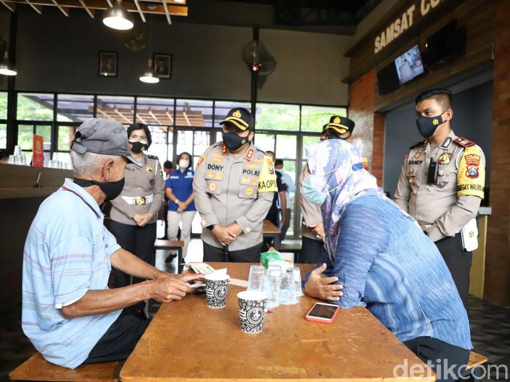 Samsat Ngopi di Mojokerto Kembali Dibuka untuk Pecah Konsentrasi Massa