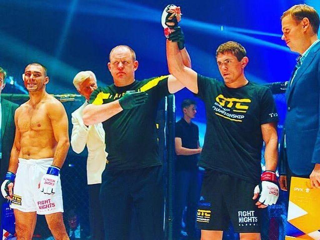 Agama Islam Dihina, Petarung MMA Banting Lawan Usai Duel Kelar