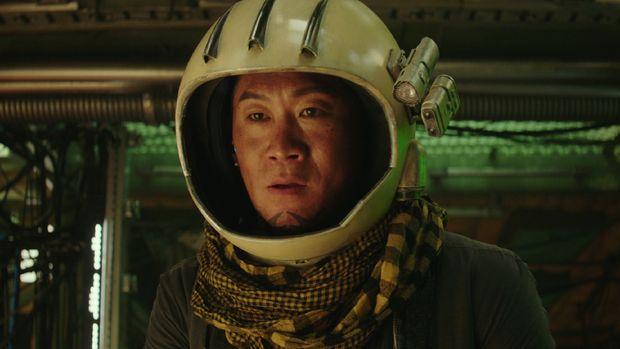 Tiger Park (Jin Sun-kyu) dalam film Space Sweepersdok. Merry Christmas via Netflix.