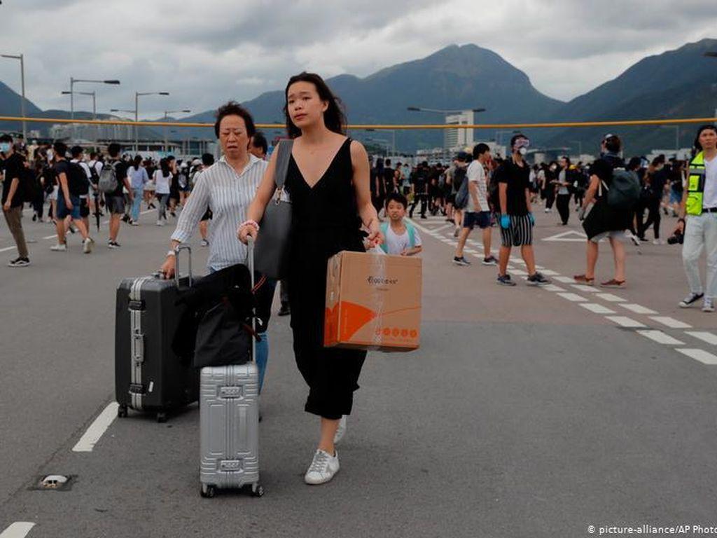 Akankah Program Imigrasi Inggris Picu Eksodus Warga Hong Kong?