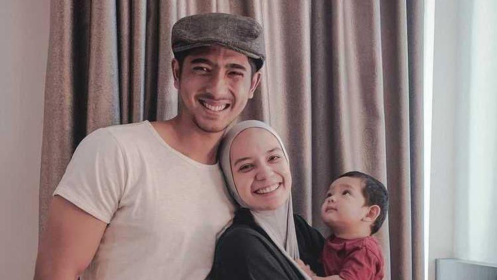 8 Potret Kebersamaan Arya Saloka & Keluarga, Beda Sama Peran di Ikatan Cinta