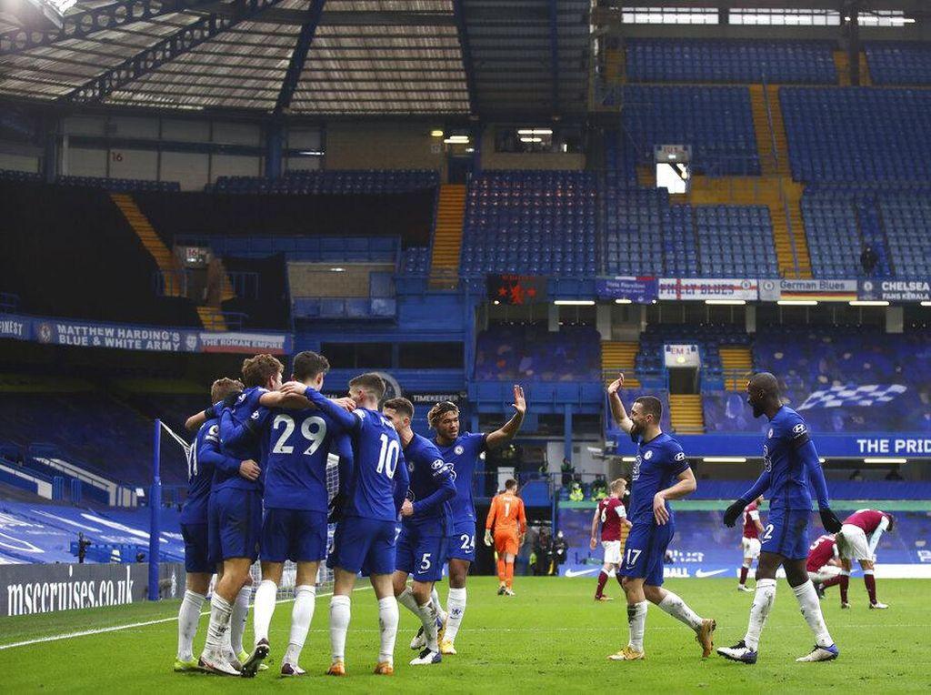 Arsene Wenger: Chelsea Belum Meyakinkan