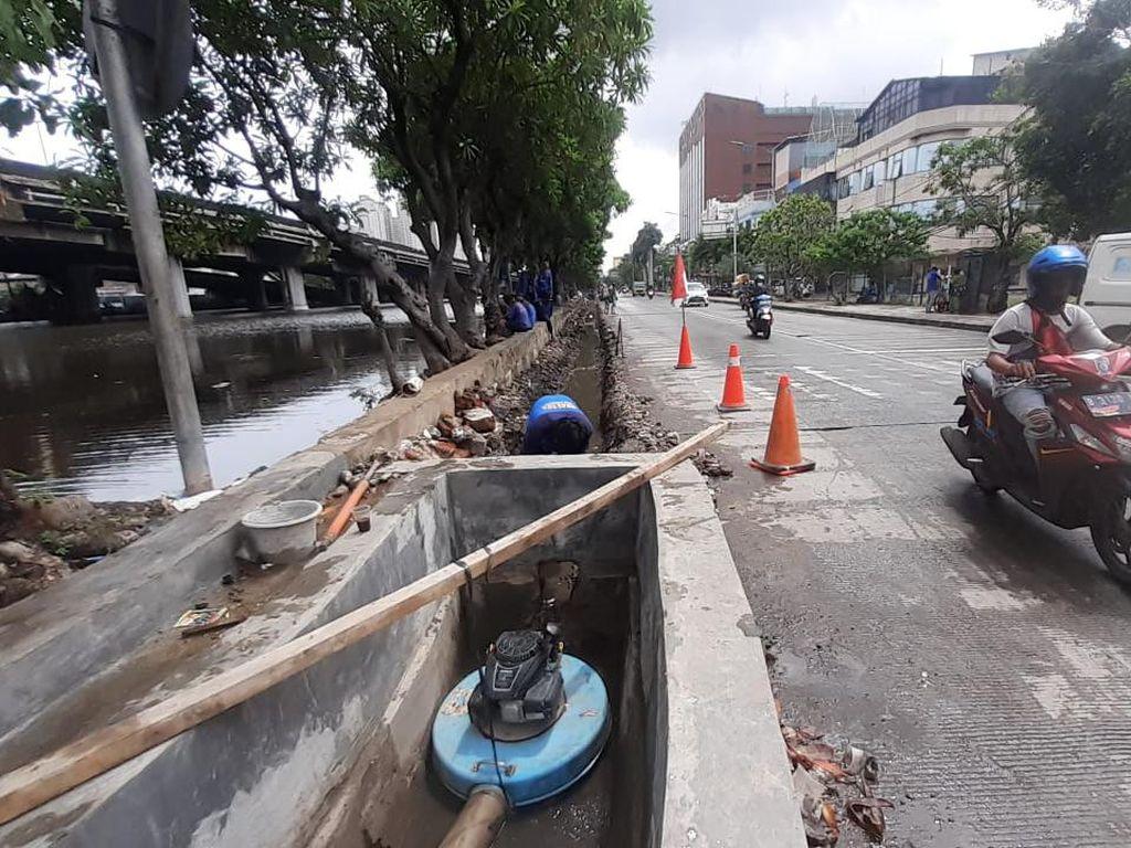 Warga Nyatakan Genangan di Jl Martadinata Ancol Tak Separah Sebelum Ada Upaya Perbaikan