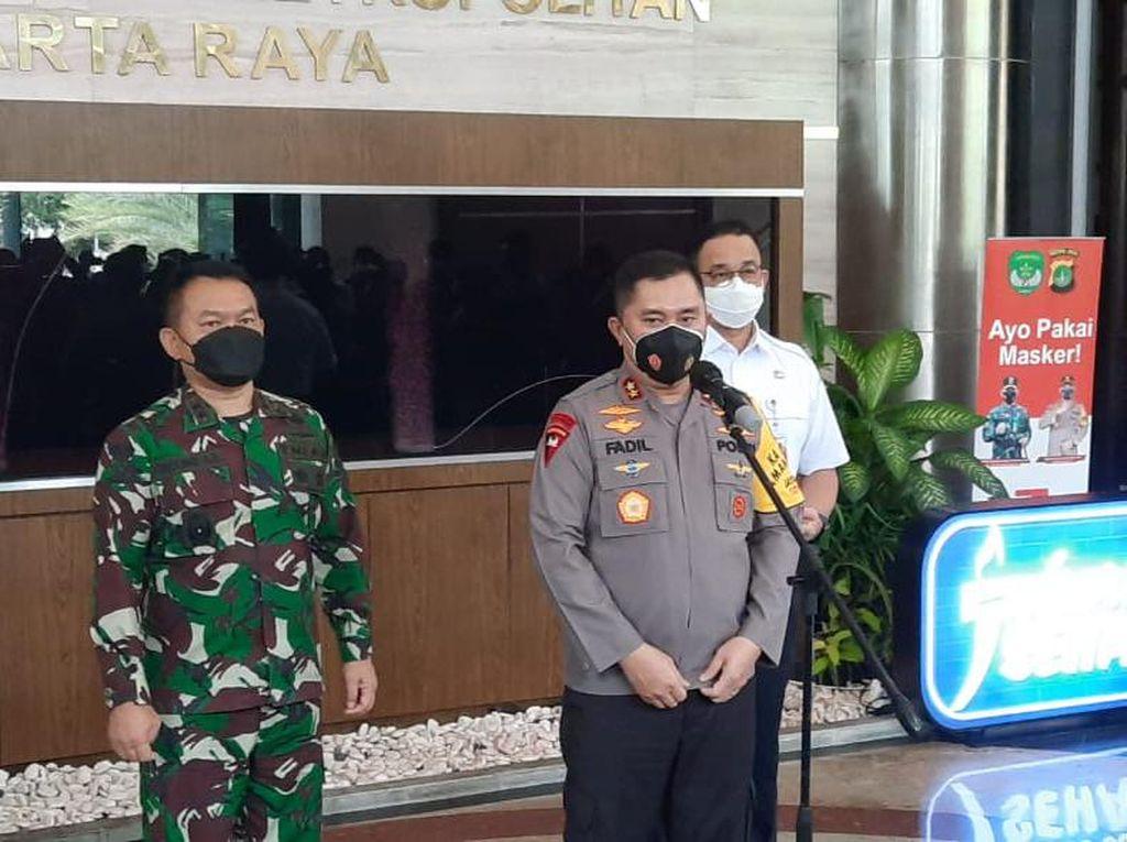 Kapolda Metro-Gubernur DKI Luncurkan Program Jakarta Bermasker