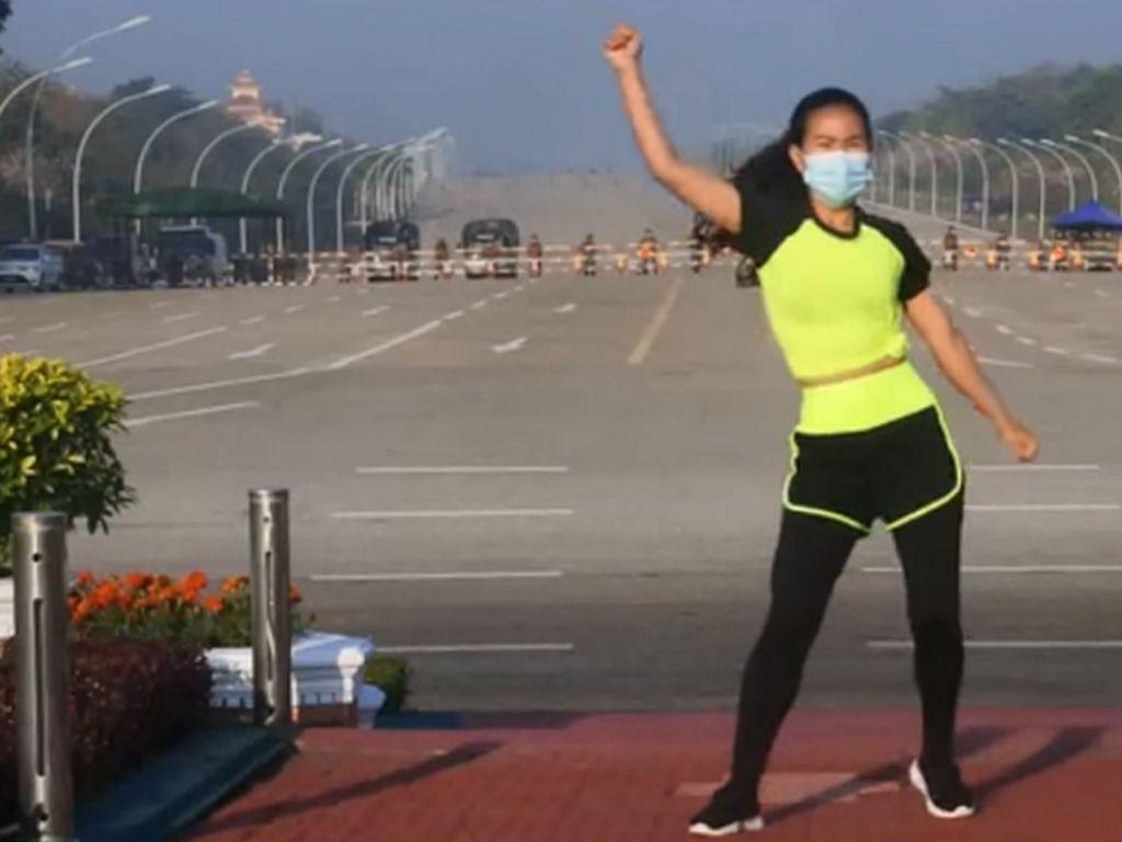 Asyik Aerobik di Tengah Kudeta Militer, Lagunya Ampun Bang Jago