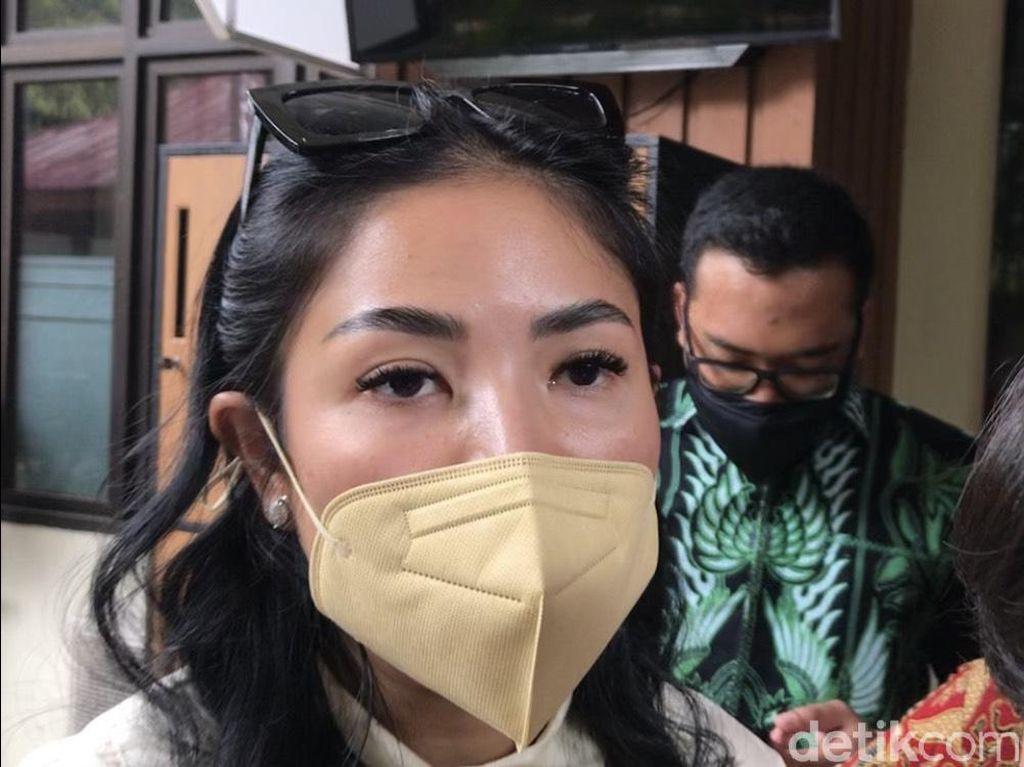 Hal Sepele Bikin Suami Main Kasar, Nindy Ayunda Mantap Lapor Polisi