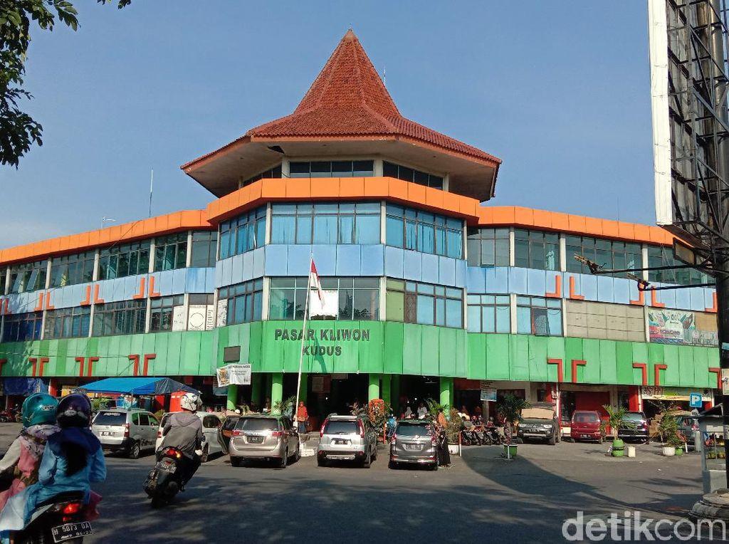 Diprotes Pedagang, Bupati Kudus Tetap Tutup Pasar Saat Jateng di Rumah Saja