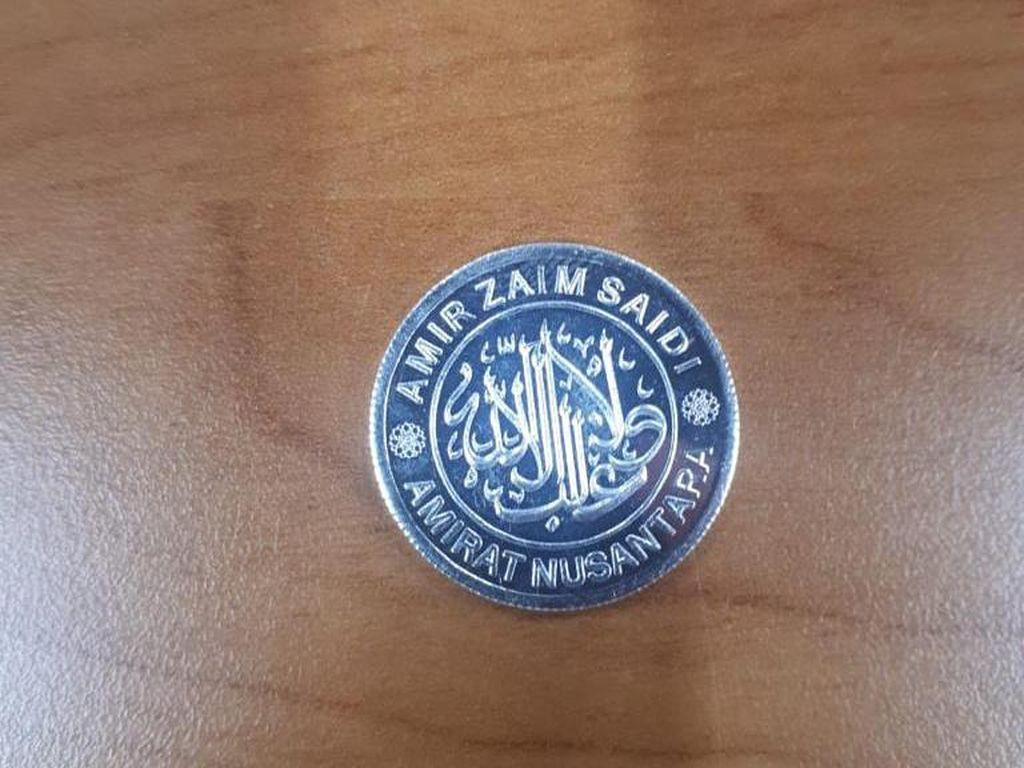 Wujud Dinar-Dirham Amir Zaim Saidi yang Diamankan dari Pasar di Depok