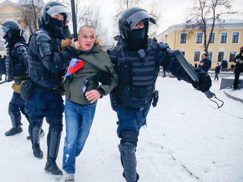 1.400 Orang Ditangkap Terkait Aksi Protes Penahanan Alexey Navalny