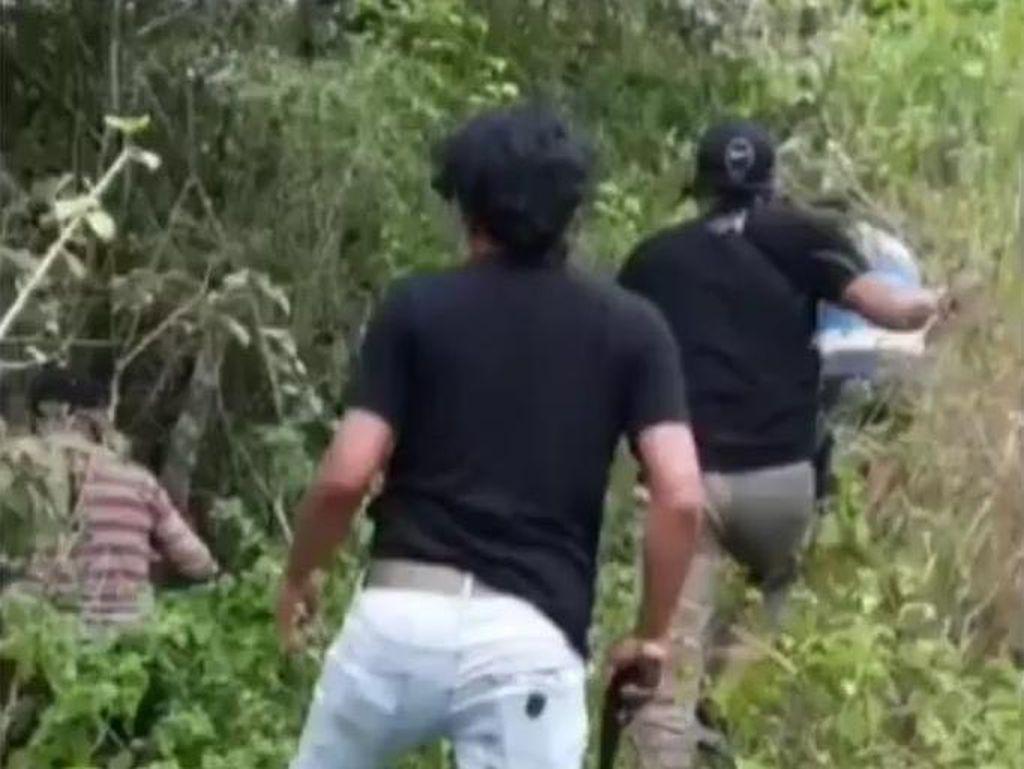 Diburu, Pengeroyok TNI di Gorontalo Kabur ke Bukit-Ngumpet di Semak