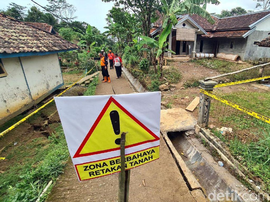 Warga Kampung Ciherang Sukabumi Masih Dihantui Gemuruh Tiap Malam