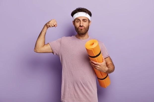 Berlatih yoga akan memberi kamu seks yang lebih baik dengan membiarkan tubuh kamu masuk ke posisi kreatif untuk kesenangan maksimal selama hubungan.