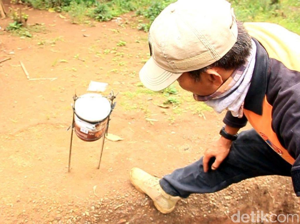 Penampakan Alarm Manual di Area Pergerakan Tanah Sukabumi