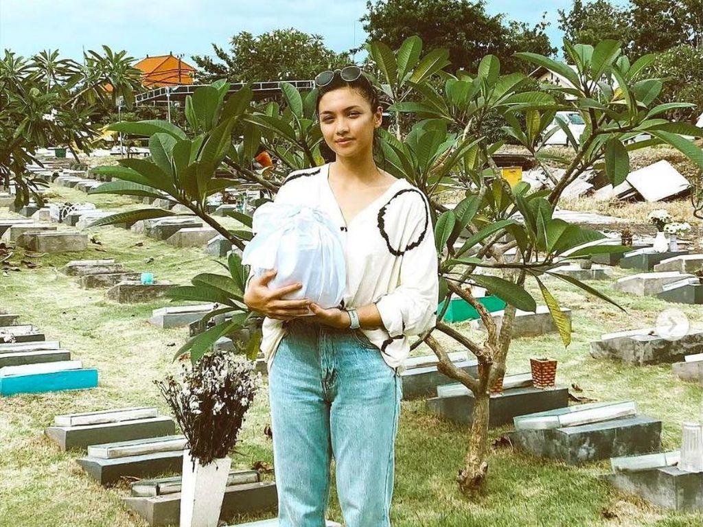 Angela Gilsha Hancur, Pertanyakan Meninggalnya Marco Panari