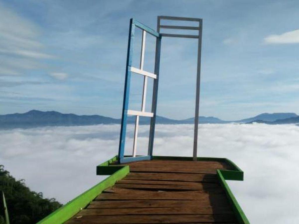 Ada Negeri Khayangan di Lampung Barat