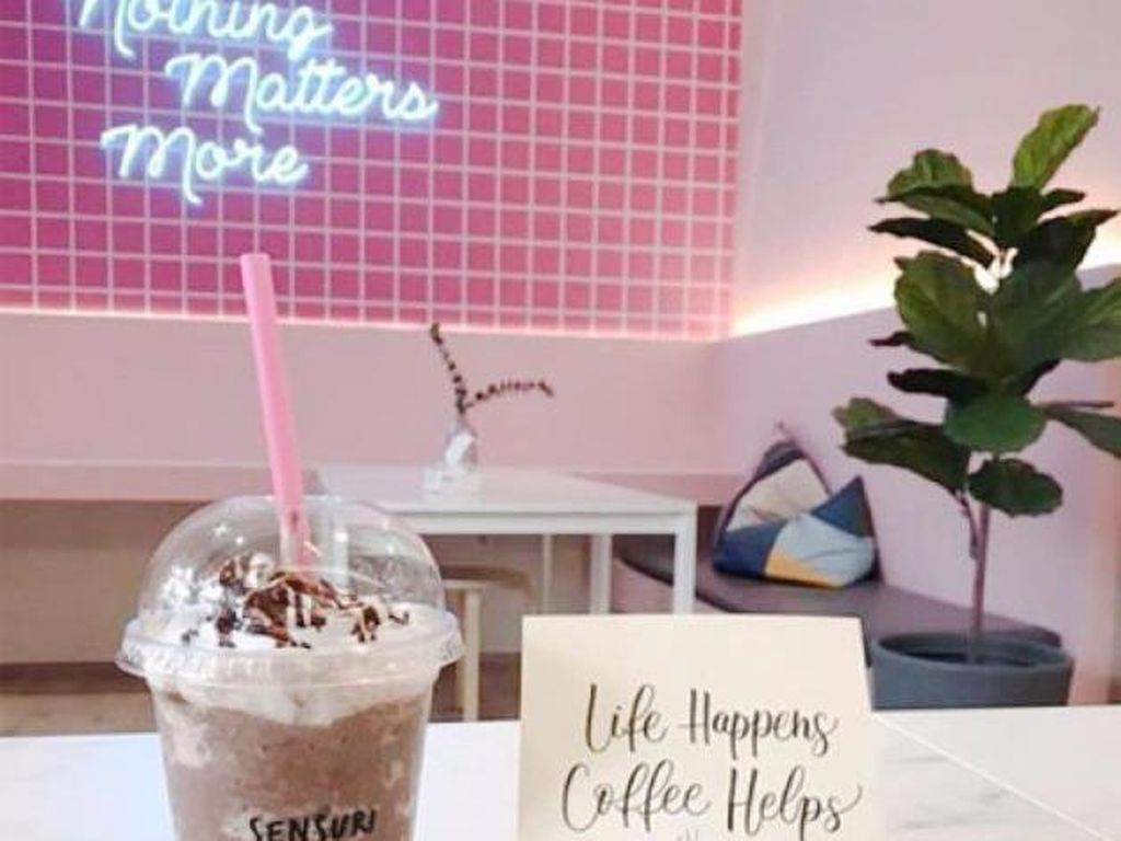 Ini Kedai Kopi Serba Pink Langganan Selebgram Medan