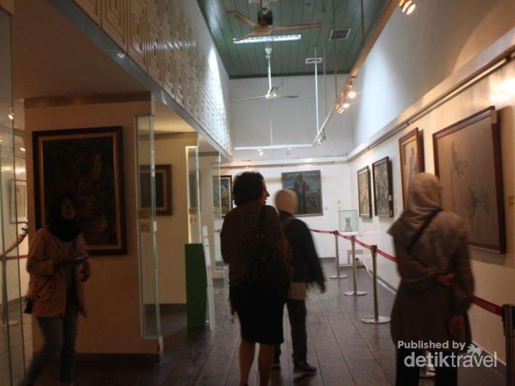 Kisah Gedung Museum Seni Rupa dan Keramik di Jakarta