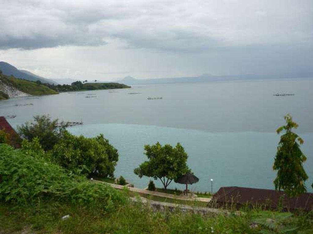 Menelusuri 5 Danau Cantik di Indonesia