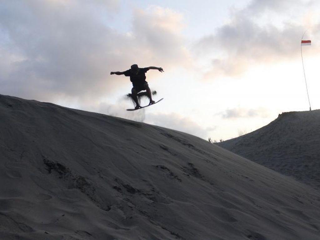 Pacu Adrenalin di Gumuk Pasir Parangtritis