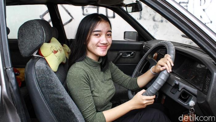 Gadis Bandung Bernama Damai Kami Sepanjang Hari