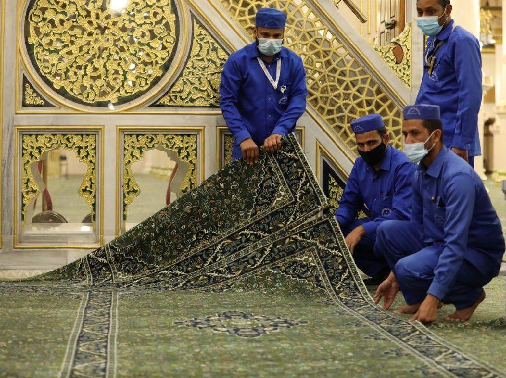 Hamparan Karpet Baru Digelar di Tempat Mustajabnya Doa, Raudhah