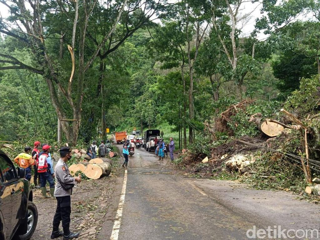 Longsor Susulan di Pujon, Jalur Malang-Kediri Kembali Tertutup Total