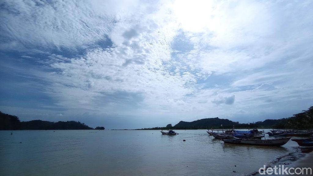 Foto: Melihat Cantiknya Nusakambangan dari Pangandaran