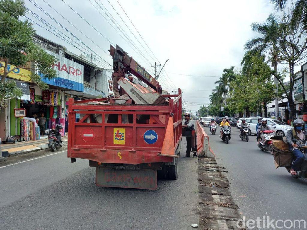 Jateng di Rumah Saja, Pemkot Tegal Tutup 21 Jalan-Matikan Lampu PJU