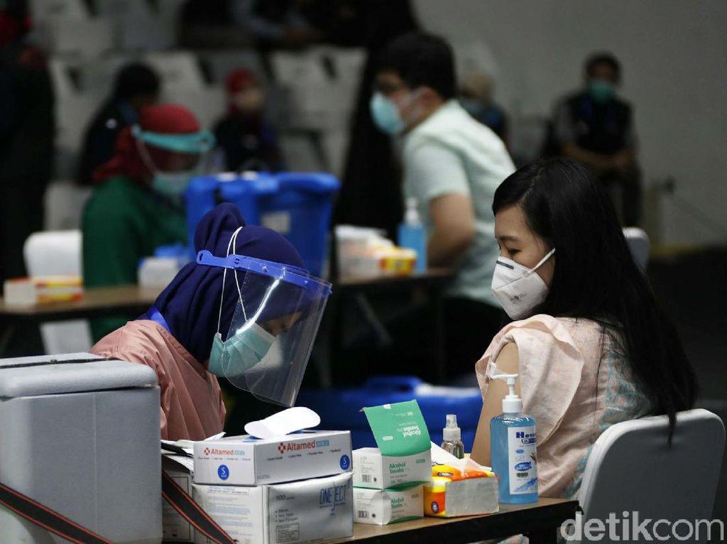 Pengalaman Suntik Vaksin COVID-19, Tak Seseram yang Dibayangkan