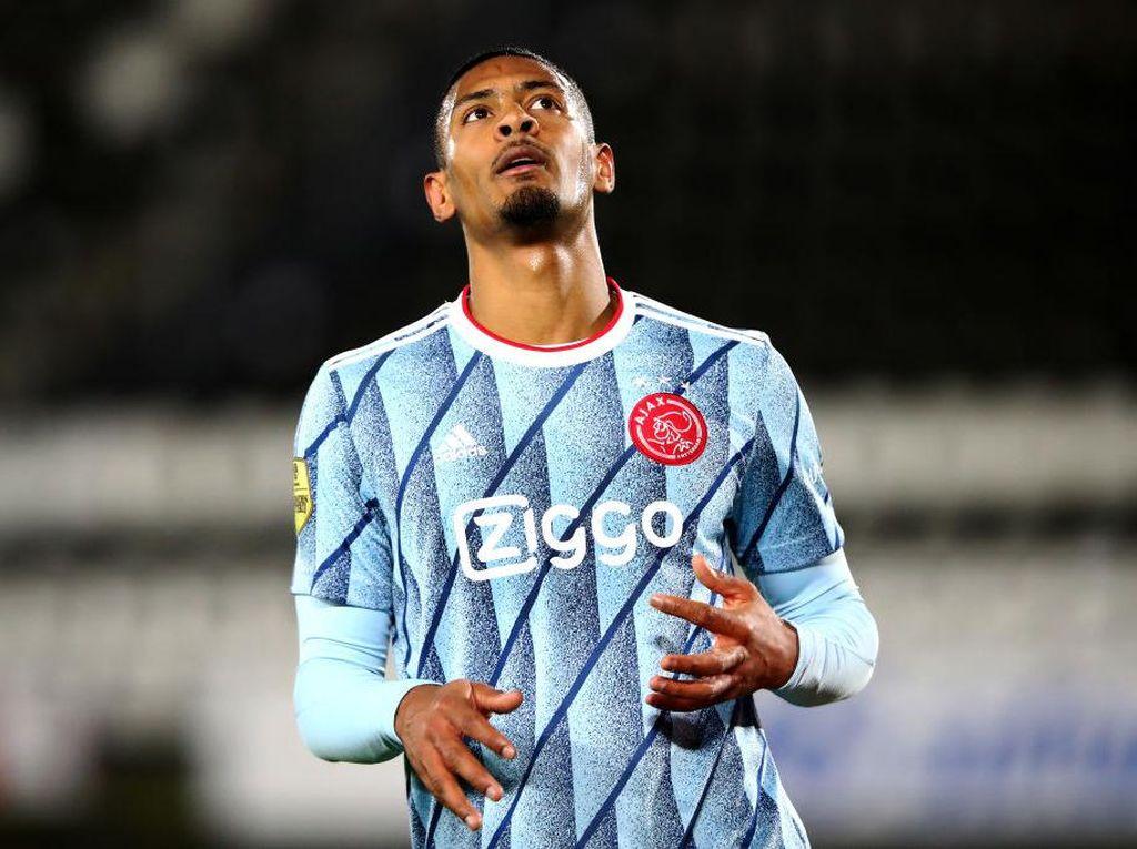 Konyol! Ajax Lupa Daftarkan Pemain Termahalnya di Liga Europa