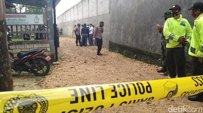 TKP Pembunuhan sekeluarga di Rembang