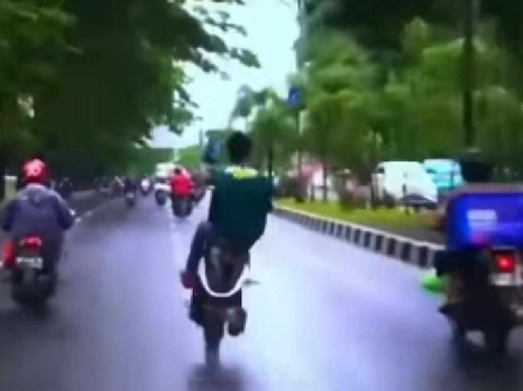 Viral Pemotor Ugal-ugalan di Jalanan Makassar, Polisi Selidiki
