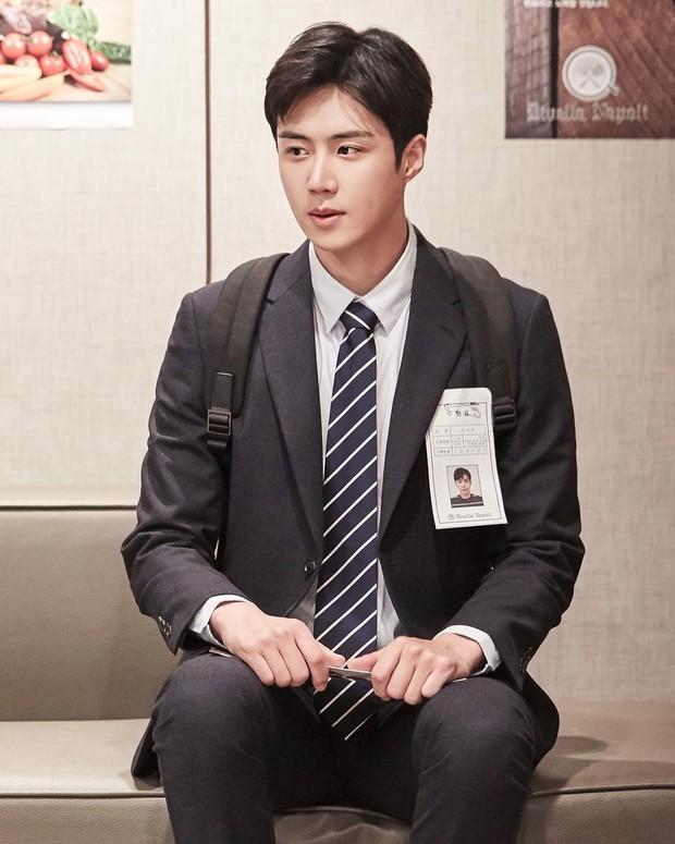 Aktor Kim Seon Ho menjadi cameo dalam drama Feel Good to Die.