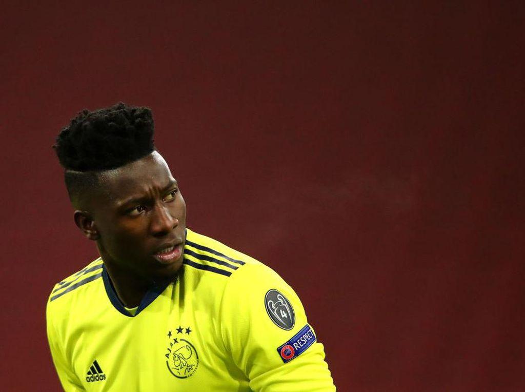 Ajax Sial Betul: Striker Lupa Didaftarin, Kipernya Positif Doping